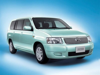 Toyota Succeed с июля 2002 года до августа 2014 года